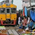 maeklong train market thailand, getting to maeklong train market