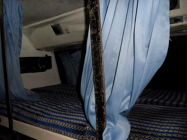 indian overnight bus with bed, tips for taking a night bus: