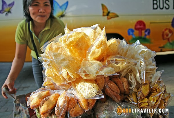 balinese snacks, balinese street food, 18 things to know before you go to bali, bali travel guide, travel to southeast asia, southeast asia travel, popular destinations in indonesia, travel to indonesia, travel to bali, balispirit