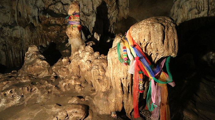 chiang dao cave stalactites, things to do in chiang dao, chiang dao thailand, chiang dao cave stalagmites
