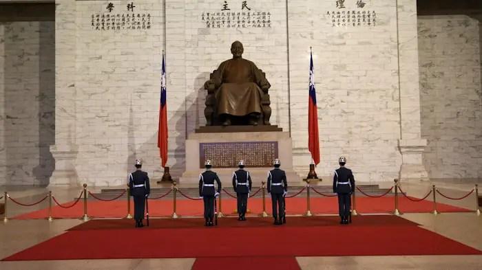 chiang kai shek guard changing, chiang kai shek, best things to do taipei, taipei travel guide, taipei top attractions, top attractions taipei