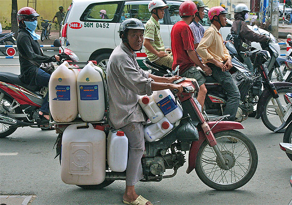 vietnam motorbikes