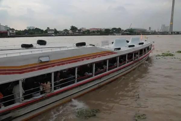 chao phraya ferry taxi, Ways to See Bangkok, bangkok travel guide, things to do in bangkok