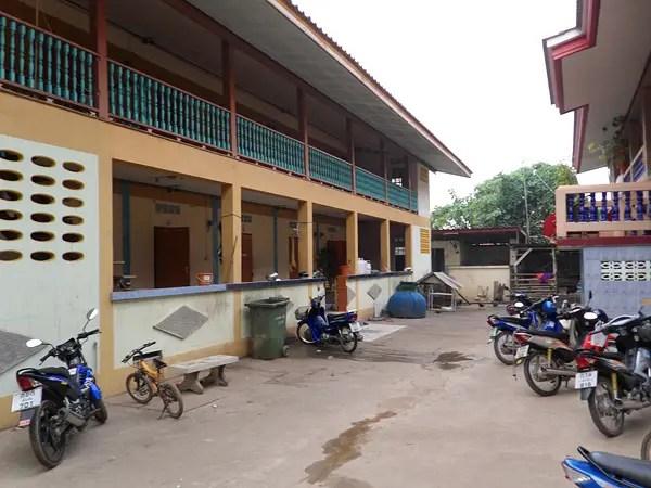 temple monk dorms, monk dormitory in thailand