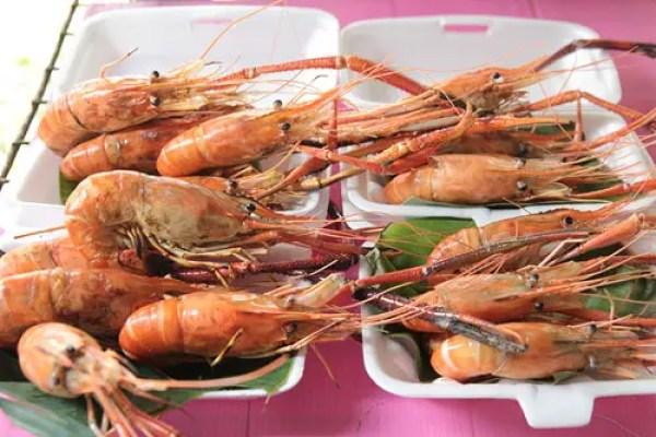 taling chan floating market, Ways to See Bangkok, bangkok travel guide, things to do in bangkok