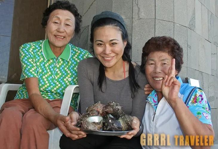 Haeneyo Restaurant , haeneyo dive show jeju, christine kaaloa, solo female travel blogger, women's inspiration blogger, grrrltraveler, blogger for women, blog site for female solo travel, solo female travel blog, travel tips for Korea, jeju haeneyo