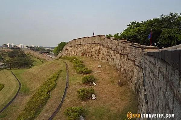 suwon fortress walls