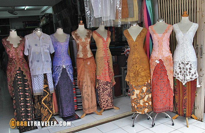 balinese traditional clothing, balinese life, balinese culture, balinese worship, Bali Travel Guide, balinese lifestyle, things to know before you go to bali