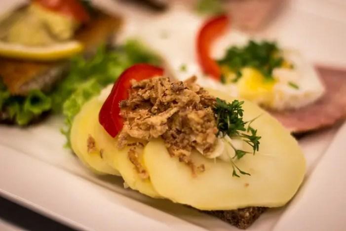 must try foods denmark, what to eat in denmark, smorrebrod, danish cuisine