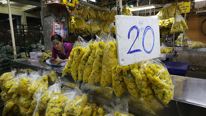 flower market bangkok, expique tours, bangkok tours, bangkok sightseeing tours, tuk tuk tours