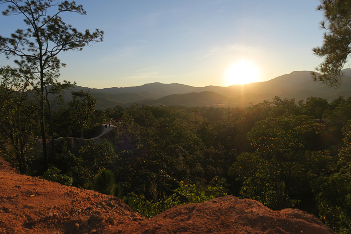 pai canyon sunset, Things to Do in Pai, top attractions in Pai, pai sightseeing, top things to do in pai, vegetarian restaurants in pai