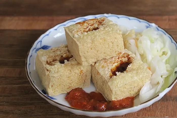 stinky tofu, taipei food tour, taipei eats