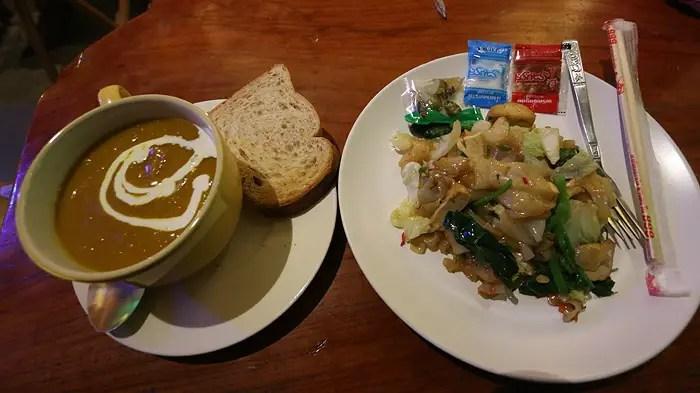 the good life pai, vegetarian restaurants in pai, vegetarian pai, restaurants in pai, pai restaurants, best pai restaurants, top pai cafes