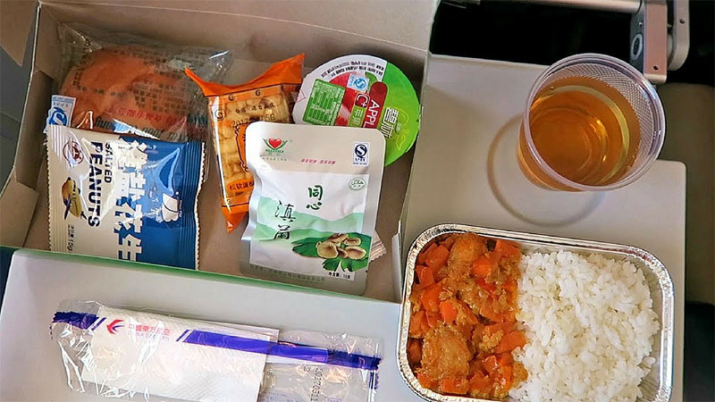 china eastern airlines review food