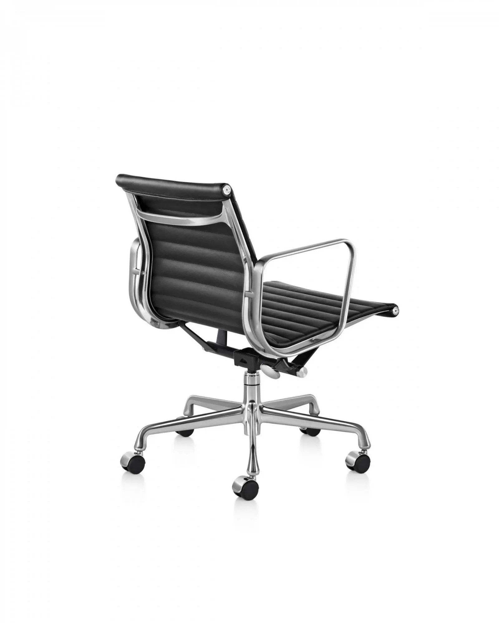 Herman Miller Eames Chair Herman Miller Eames Aluminum Group Management Chair