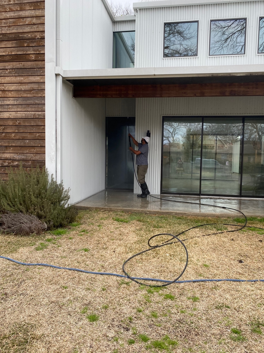 %name Large House Post Construction Clean Up in Lakewood, TX