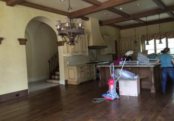 Large Mansion in Dallas TX Move out Deep Clean Up 013 f33898cd52d6249189513488300f8205 350x245 100 crop Large Mansion in Dallas TX Move out Deep Clean Up
