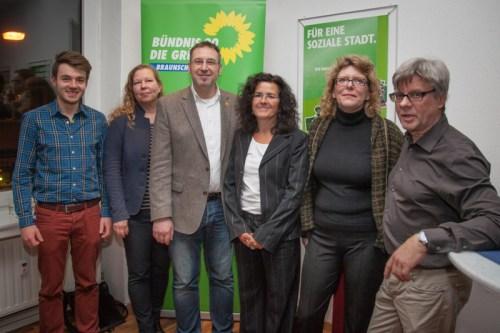 Gruppenbild mit OB-Kandidat & Landesministerin (v.l.n.r. Simon Oehlers, Sabine Sewella, Holger Herlitschke, Gabriele Heinen-Kljajic, Edith Grumbach-Raasch, Wolfram Pehlke)