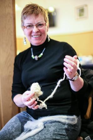 Neuling Sabine Neumann präsentiert stolz ein erstes Erfolgserlebnis.