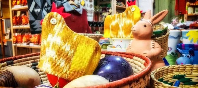 Osterhase im Weltladen