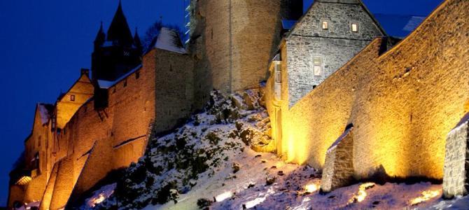 Lichterführung um die Burg Altena