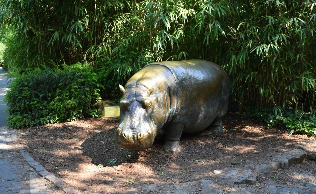 Flusspferd aus Stein