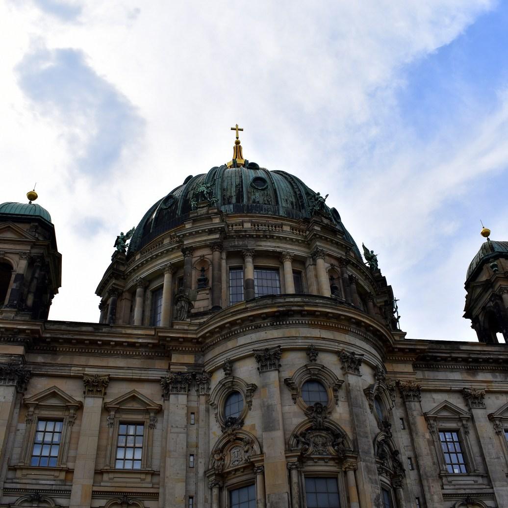 Berliner Dom seitlich