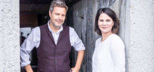 Annalena Baerbock und Robert Habeck (v.r.n.l.)