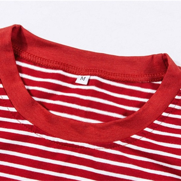 Col du t-shirt Vintage 90s rouge
