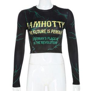 Crop top féministe style streetwear
