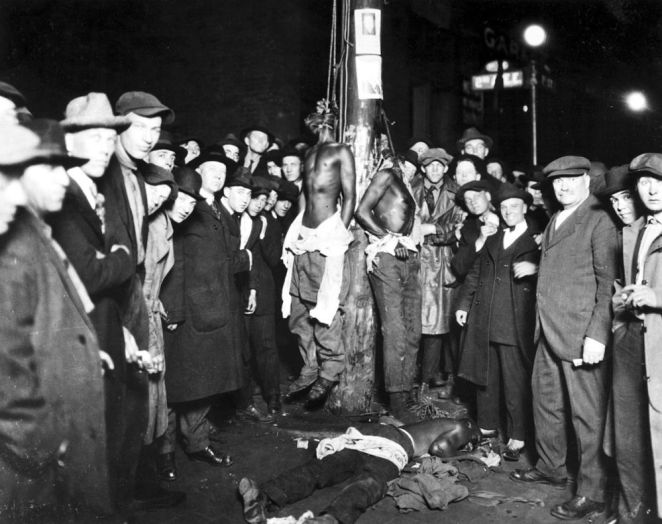 Postcard of the Duluth lynching