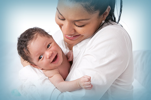 Ya puedes solicitar la devolución del IRPF por maternidad y paternidad