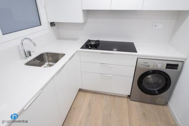 encimera cocina blanca