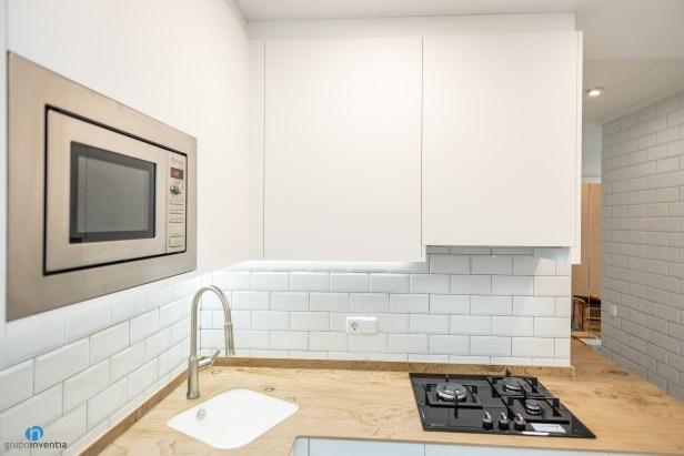 armarios blancos cocina