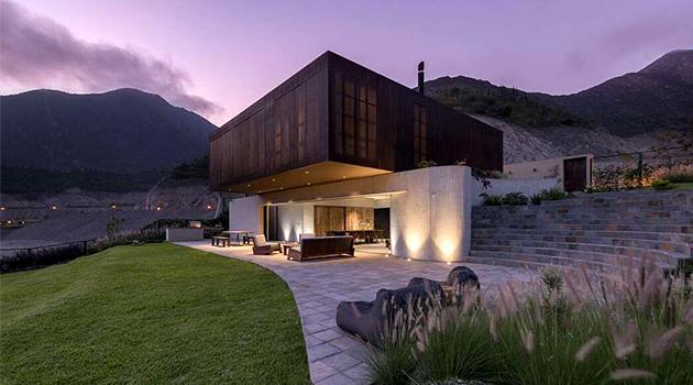 Casa Topo por Martin Dulanto Sangalli en Lima, Perú