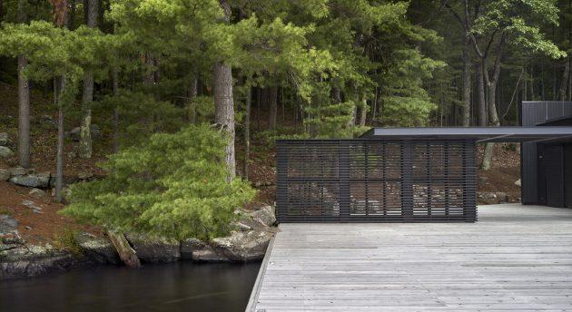 Muskoka Boathouse por Akb Architects en Ontario, Canadá