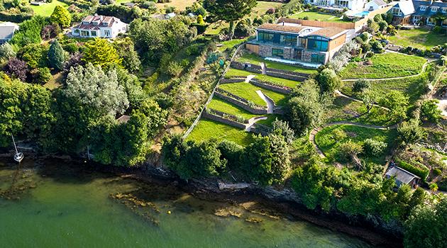 Una nueva y hermosa vivienda en el Punto Restronguet de Cornwall, diseñada por CSA Architects