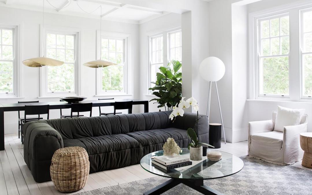 Un apartamento monocromo de Artes y oficios que te encantará