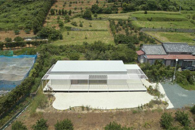Casa en Shiraiwa por 2id Architects en Hamamatsu, Japón