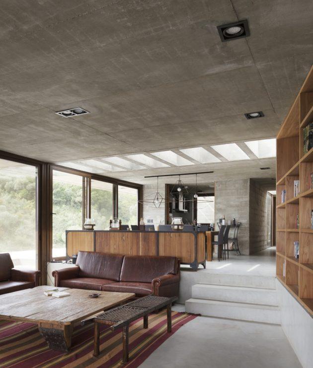 Casa FM de Alarciaferrer Architects en el Valle de Calamuchita, Argentina