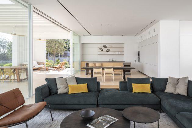 K House por Blatman Cohen Architecture Design en Moshav Herut, Israel