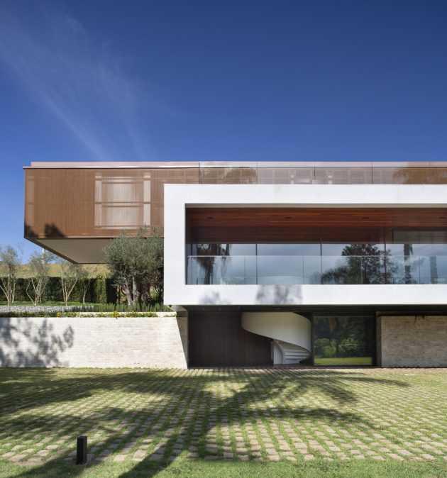 EP House por Otto Felix Studio en Braganca Paulista, Brasil
