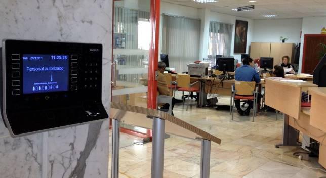 Máquina de control de acceso, mediante huella digital
