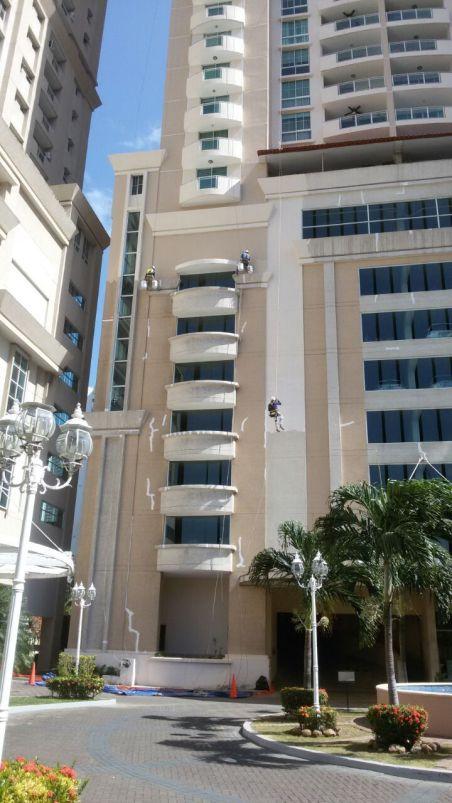 Costa Pacífica Instalación de primera mano de impermeabilizante
