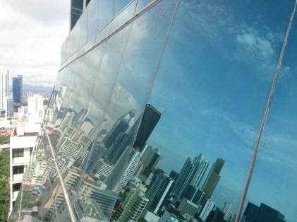 Limpieza fachada de vidrio