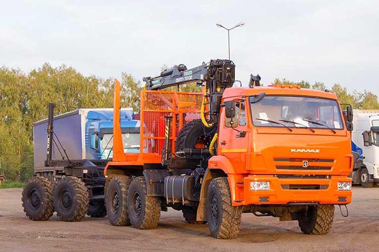 Лесовоз КАМАЗ 43118 с прицепом