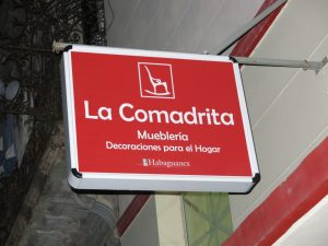 232. La Comadrita - den lokale møbelhandelen