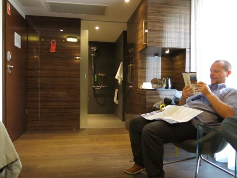 8. Rommet inn til badet