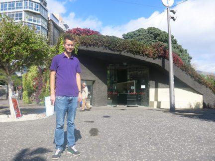 6. Steinar foran turistinformasjonen på Plaza Candelaria
