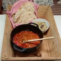 Langtidsbakt indisk lammegryte med krydret ris og chapati